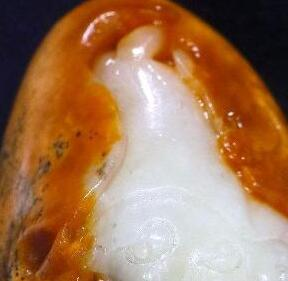 和田玉籽料与仿和田玉籽料的几个重要鉴定特征