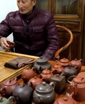 顾正权紫砂壶用的都是真正的紫砂壶泥料吗?